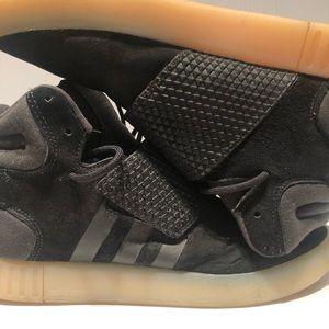 Adidas Tubular defiant sneaker size 7.5